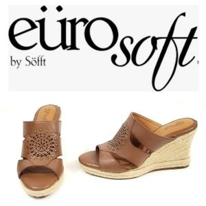 Euro Soft By Sofft Leather Wedge Slip On Size 7.5M